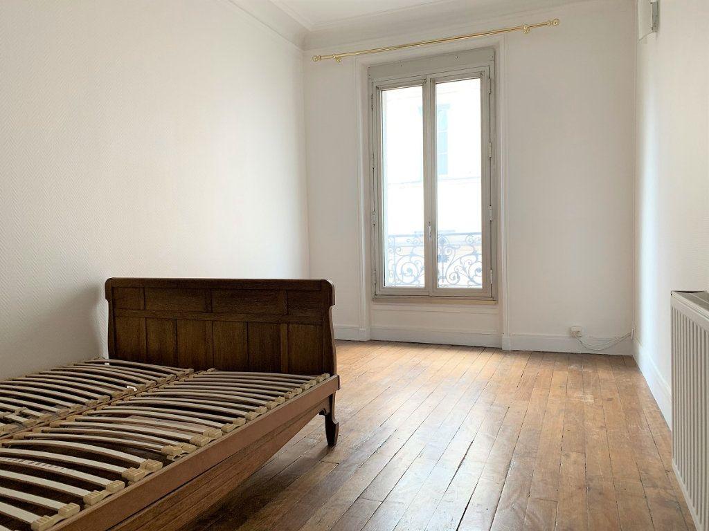 Appartement à louer 2 37.87m2 à Paris 18 vignette-2