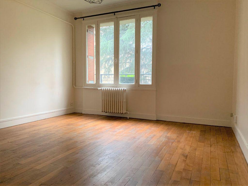 Appartement à louer 3 55.18m2 à Bagnolet vignette-1