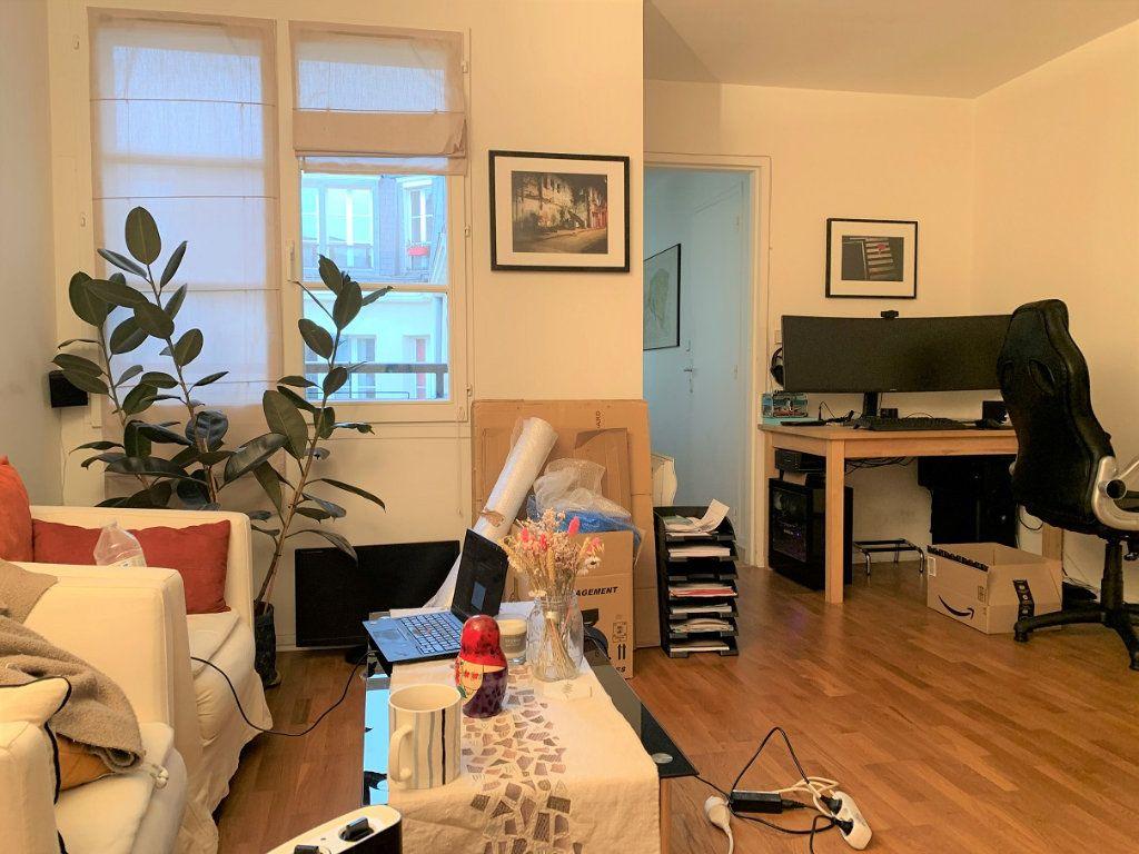 Appartement à louer 2 44.1m2 à Paris 2 vignette-3