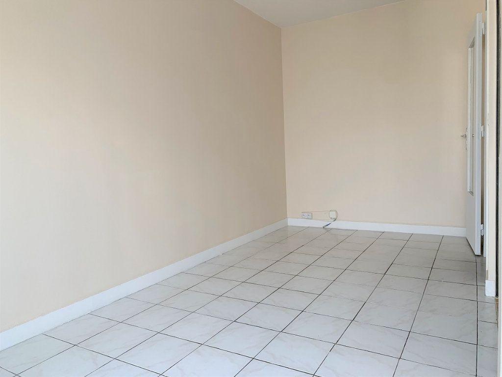 Appartement à louer 1 19.15m2 à Paris 12 vignette-4