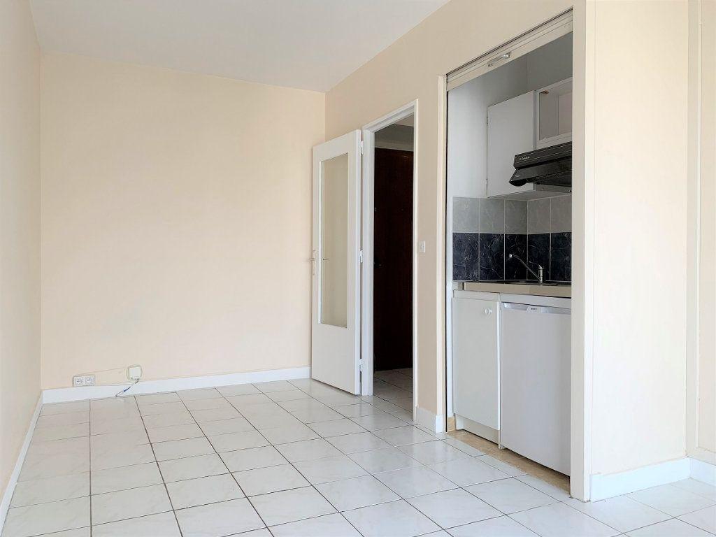 Appartement à louer 1 19.15m2 à Paris 12 vignette-5