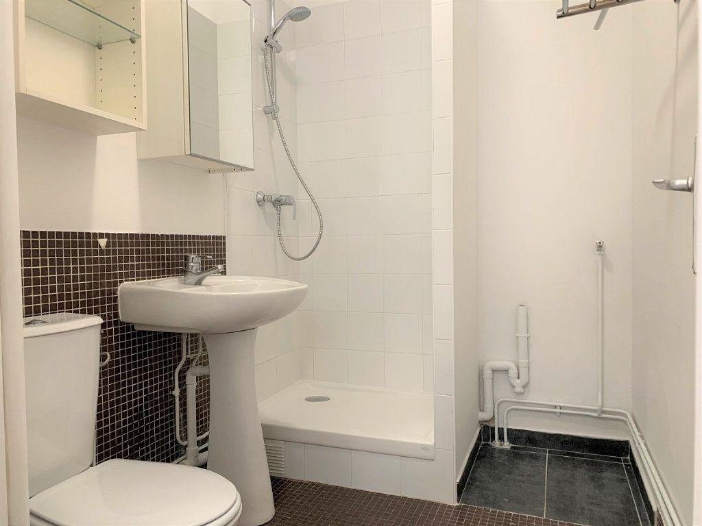 Appartement à louer 1 19.15m2 à Paris 12 vignette-6