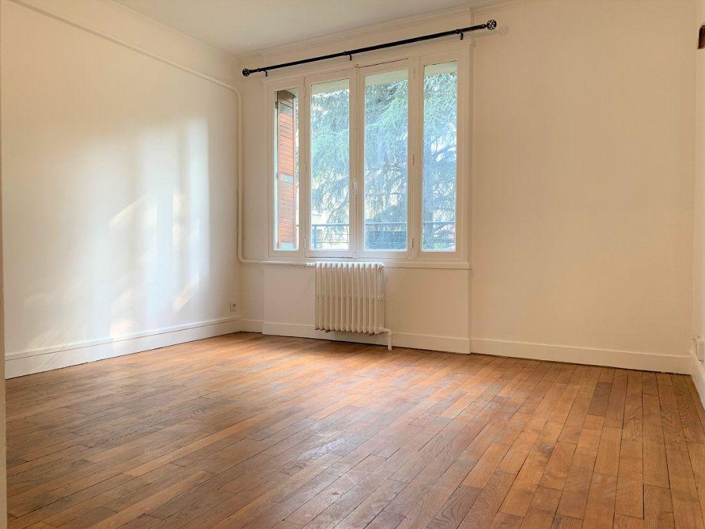 Appartement à louer 3 55.18m2 à Bagnolet vignette-2