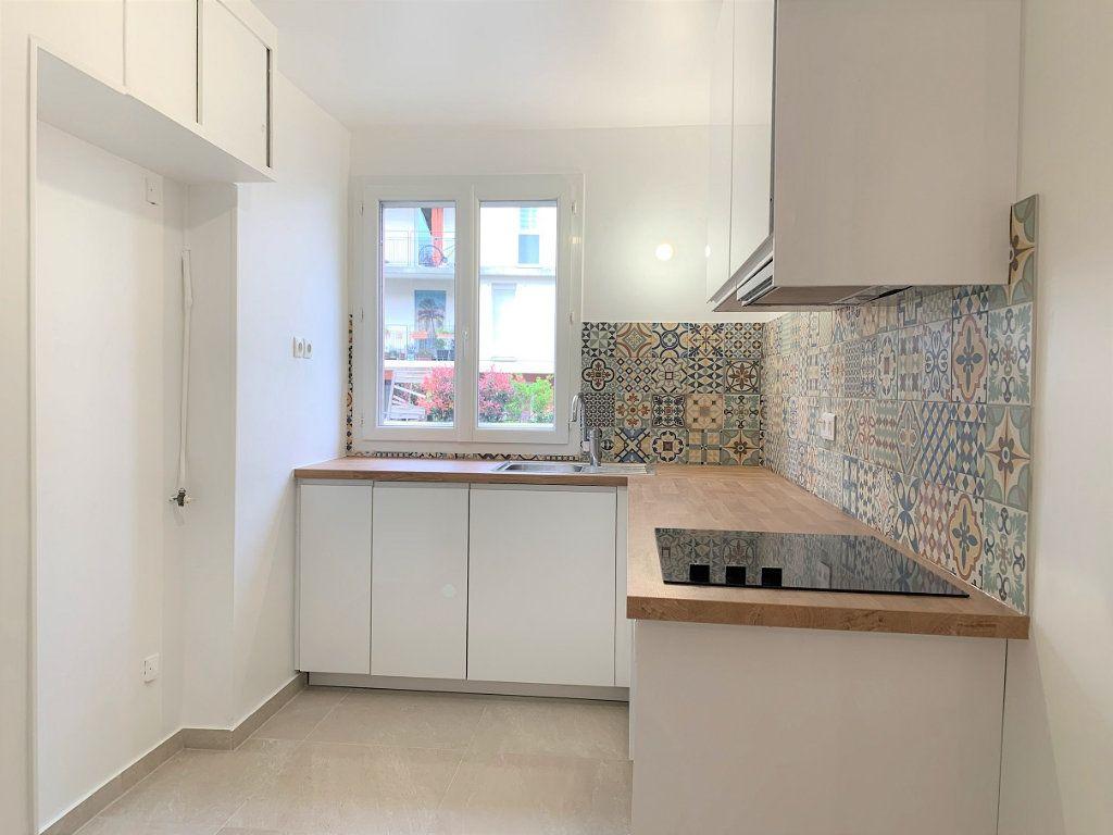Appartement à louer 3 55.18m2 à Bagnolet vignette-3