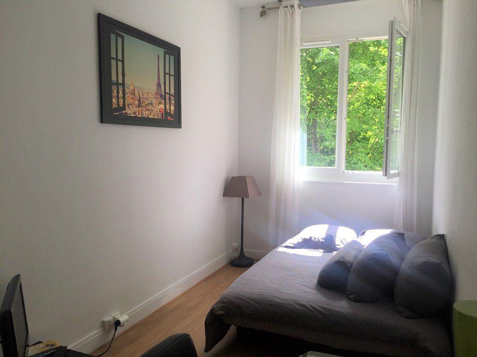 Appartement à louer 1 14.4m2 à Paris 16 vignette-1