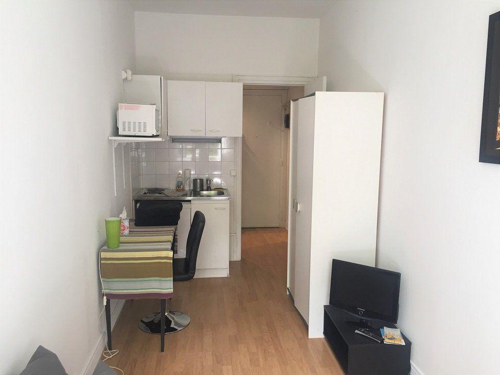 Appartement à louer 1 14.4m2 à Paris 16 vignette-3