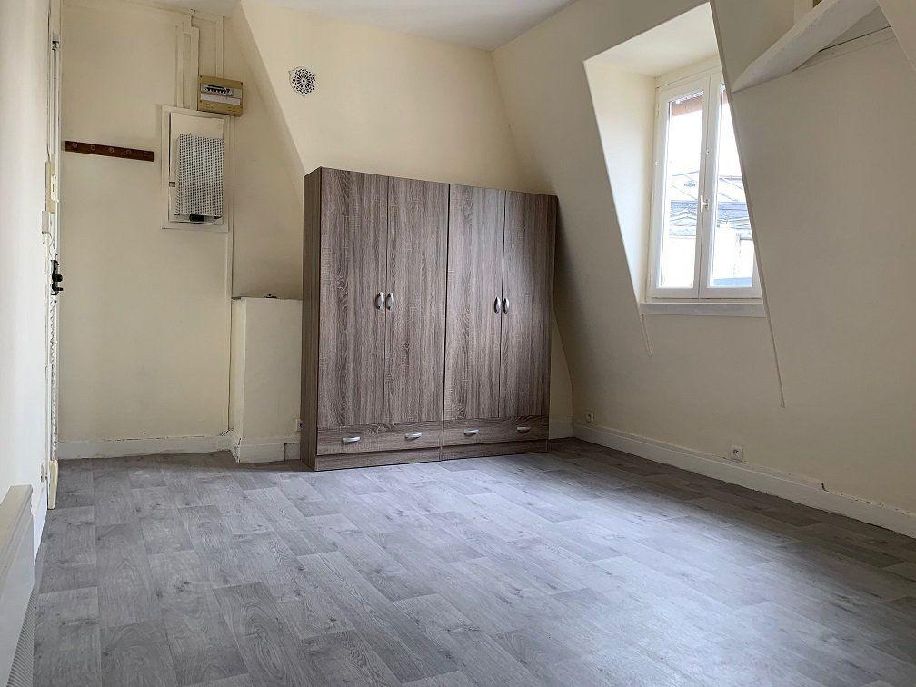Appartement à louer 1 14.2m2 à Paris 4 vignette-1