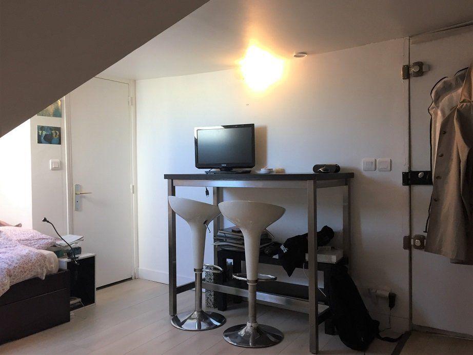 Appartement à louer 1 13.23m2 à Paris 2 vignette-2