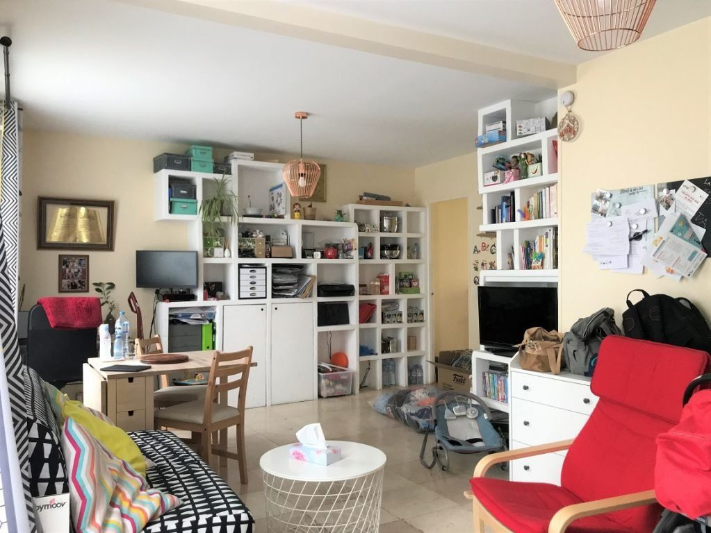 Appartement à louer 3 55.07m2 à Bagnolet vignette-1
