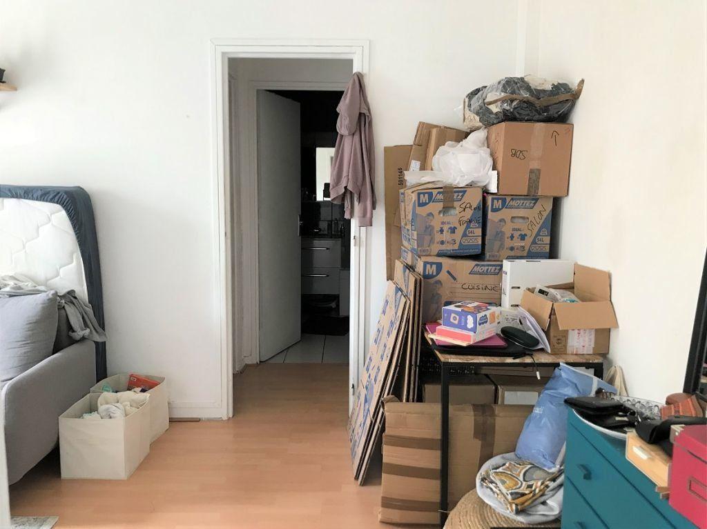 Appartement à louer 2 40.3m2 à Paris 20 vignette-2