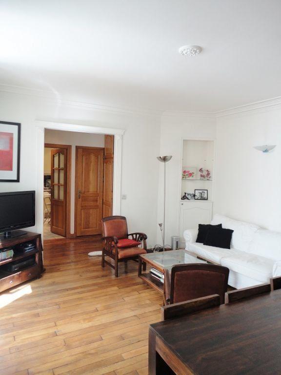 Appartement à louer 3 67.82m2 à Paris 9 vignette-2