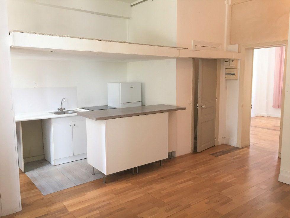 Appartement à louer 2 39.46m2 à Paris 12 vignette-2