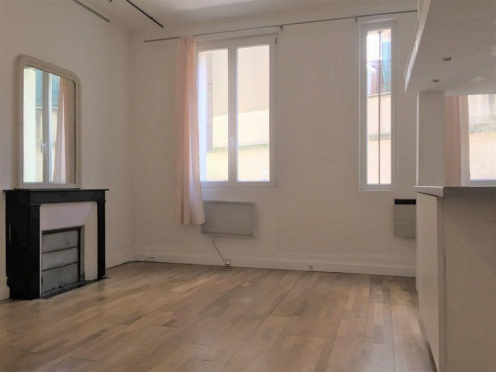 Appartement à louer 2 39.46m2 à Paris 12 vignette-3