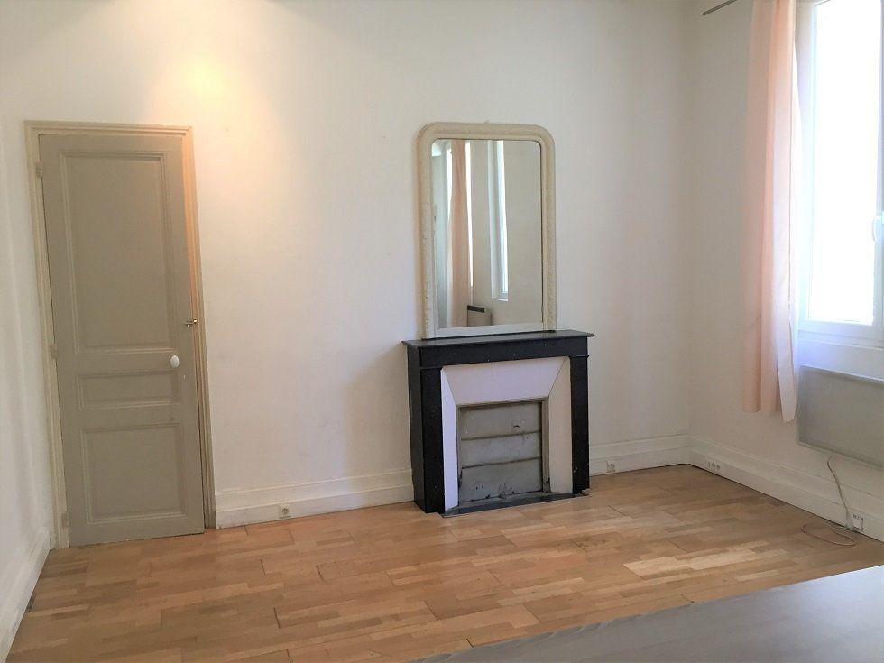 Appartement à louer 2 39.46m2 à Paris 12 vignette-4