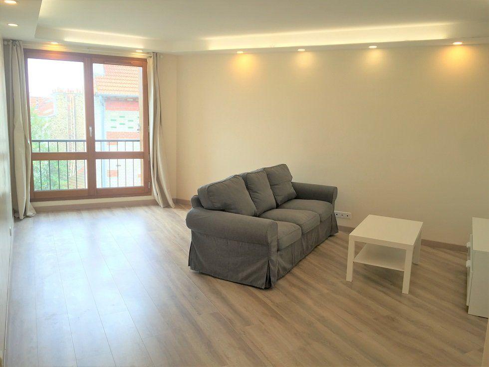Appartement à louer 3 69.05m2 à Vincennes vignette-2