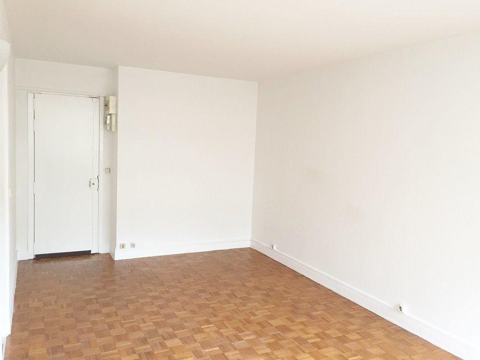 Appartement à louer 1 28.66m2 à Paris 12 vignette-3