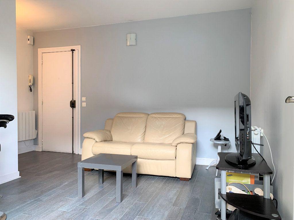 Appartement à louer 2 29.93m2 à Paris 11 vignette-5