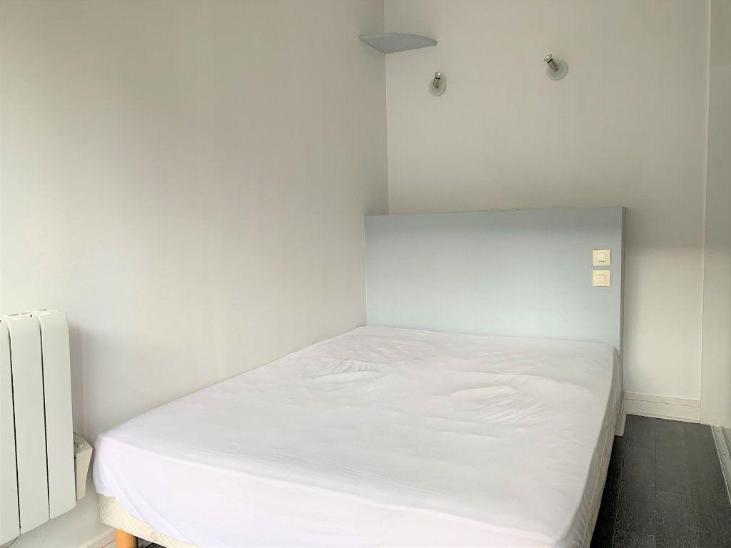 Appartement à louer 2 29.93m2 à Paris 11 vignette-6