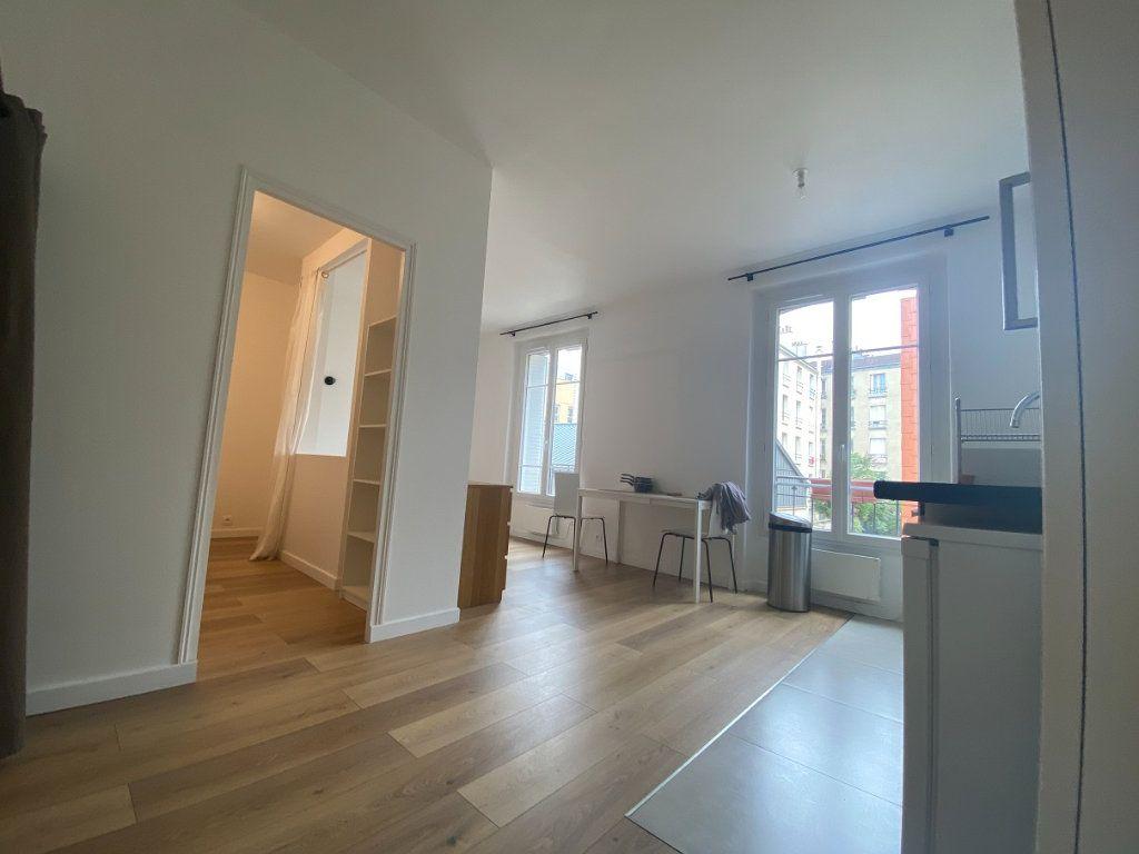 Appartement à louer 2 33.99m2 à Pantin vignette-1