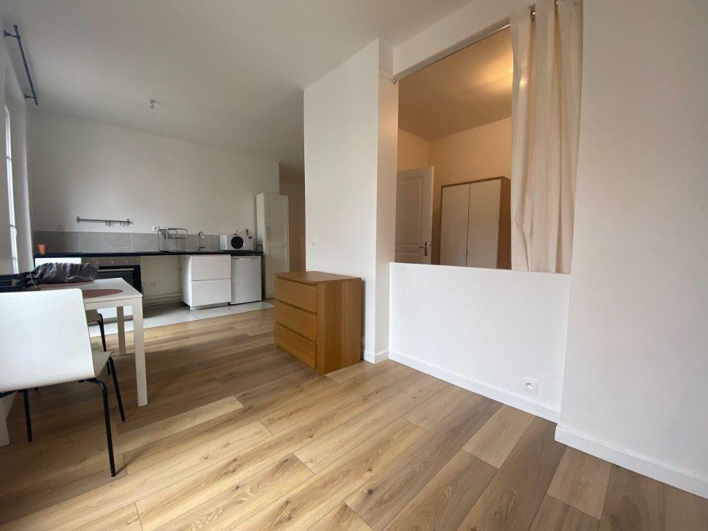 Appartement à louer 2 33.99m2 à Pantin vignette-2