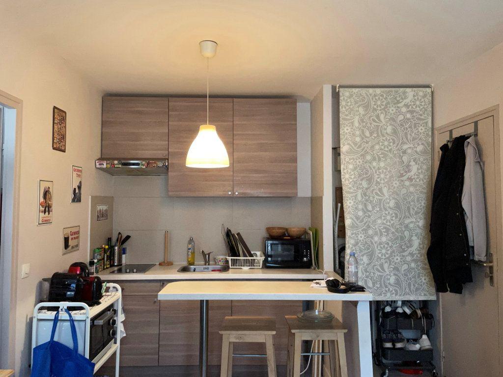 Appartement à louer 2 25.01m2 à Paris 11 vignette-2