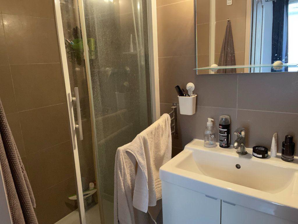 Appartement à louer 2 25.01m2 à Paris 11 vignette-6