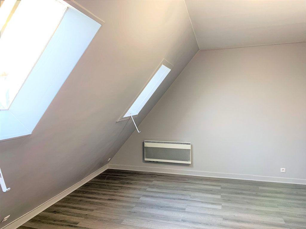 Appartement à louer 1 17.6m2 à Paris 9 vignette-2