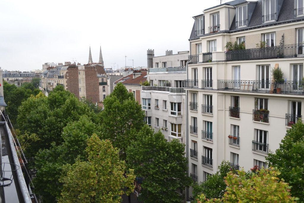 Appartement à louer 1 12.29m2 à Paris 20 vignette-1