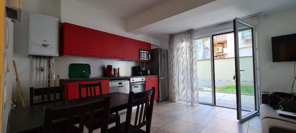 Appartement à louer 1 35m2 à Aix-les-Bains vignette-4