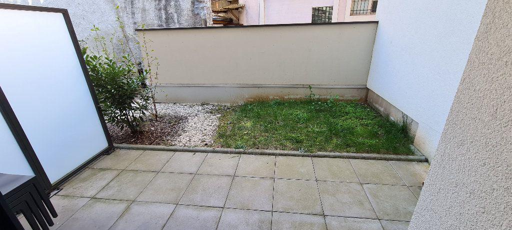 Appartement à louer 1 35m2 à Aix-les-Bains vignette-6