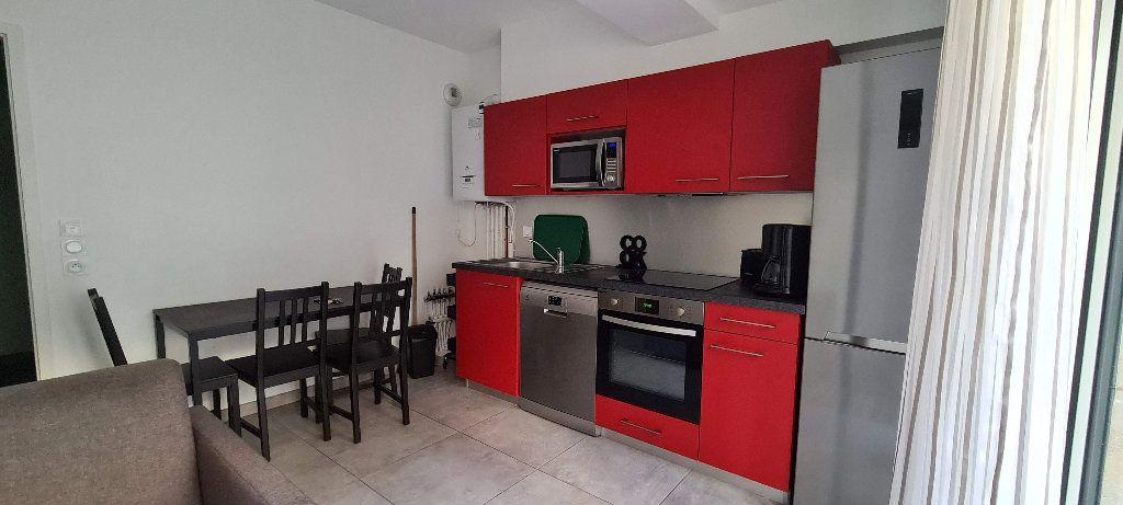 Appartement à louer 1 35m2 à Aix-les-Bains vignette-2