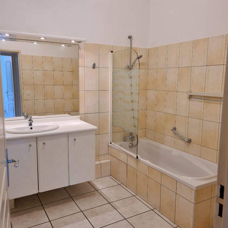 Appartement à louer 2 50m2 à Aix-les-Bains vignette-7