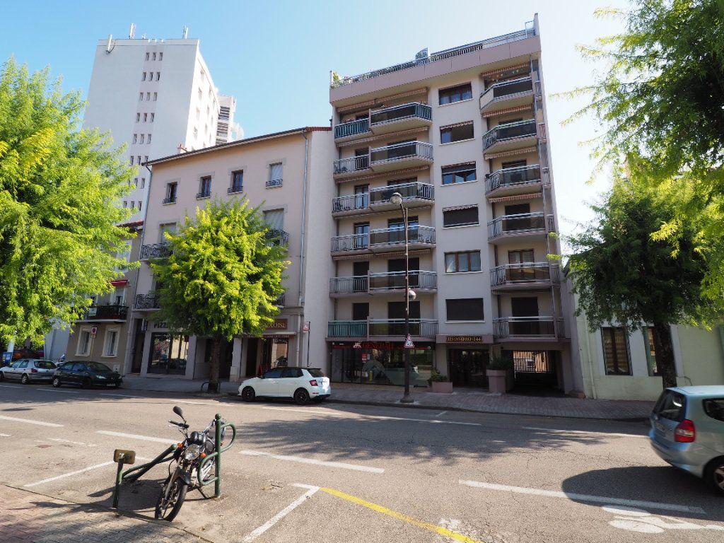 Appartement à louer 3 95m2 à Aix-les-Bains vignette-1