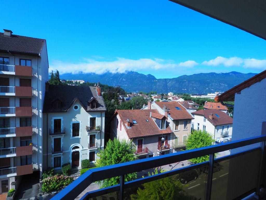 Appartement à louer 3 95m2 à Aix-les-Bains vignette-2