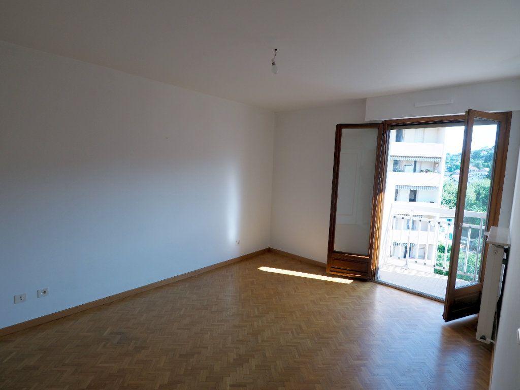 Appartement à louer 3 95m2 à Aix-les-Bains vignette-3