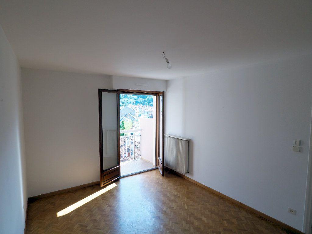 Appartement à louer 3 95m2 à Aix-les-Bains vignette-4
