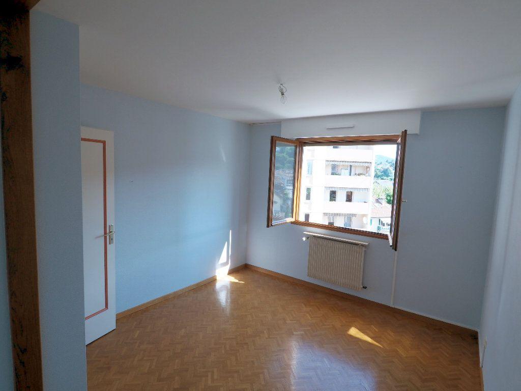 Appartement à louer 3 95m2 à Aix-les-Bains vignette-5