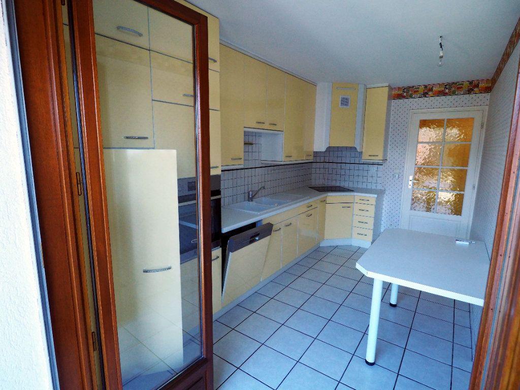 Appartement à louer 3 95m2 à Aix-les-Bains vignette-7