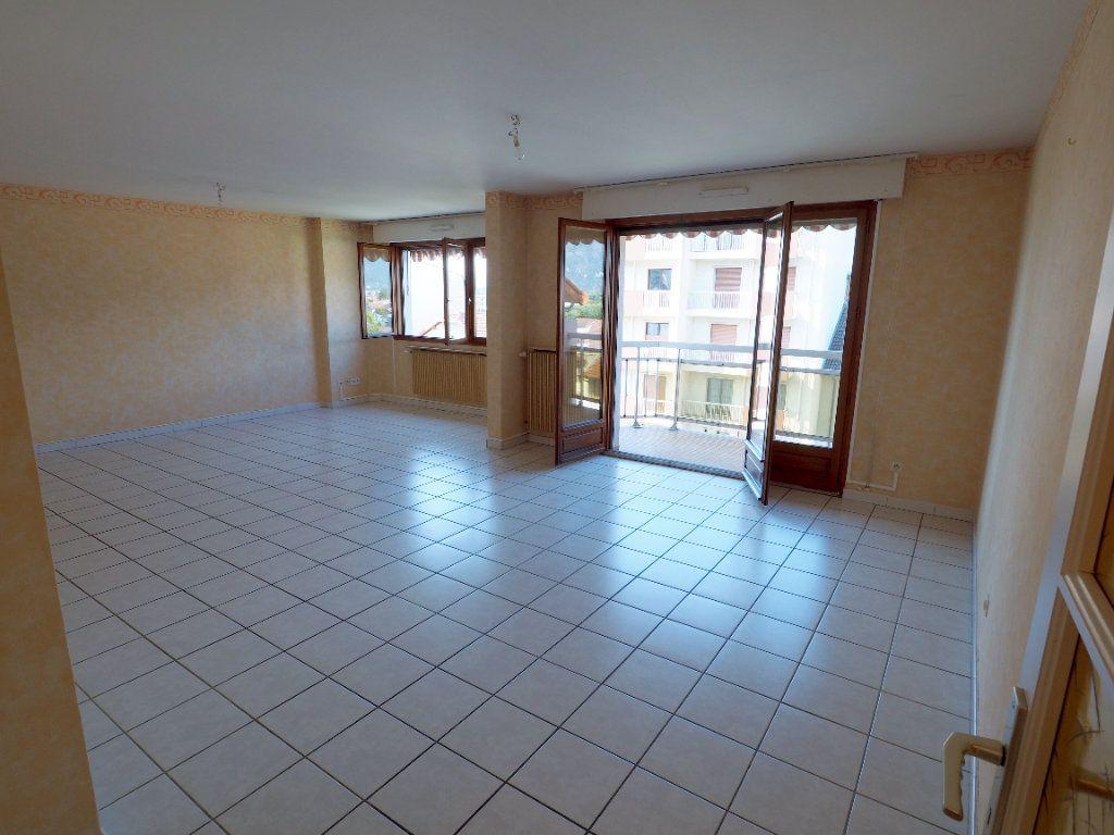 Appartement à louer 3 95m2 à Aix-les-Bains vignette-9