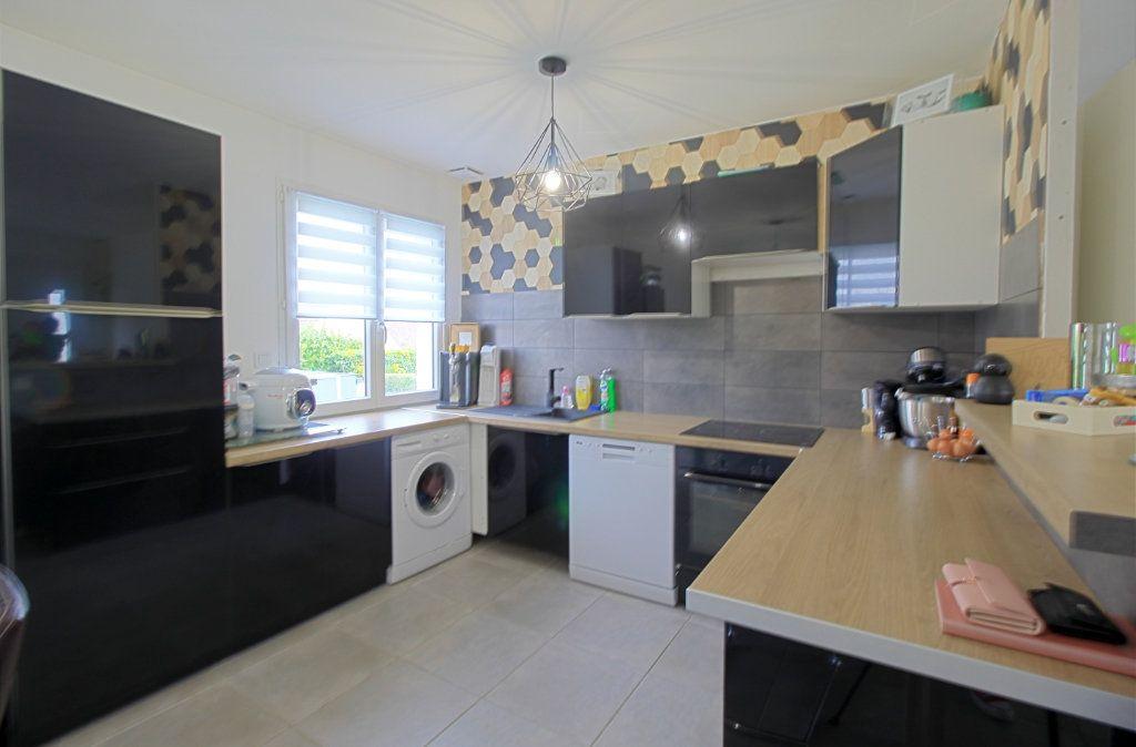 Maison à vendre 4 76m2 à Estrées-Saint-Denis vignette-2
