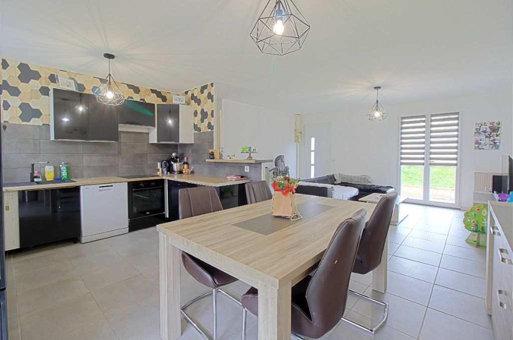 Maison à vendre 4 76m2 à Estrées-Saint-Denis vignette-3