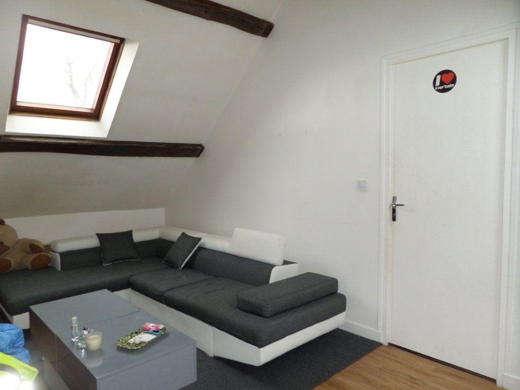 Appartement à louer 2 29m2 à Estrées-Saint-Denis vignette-1