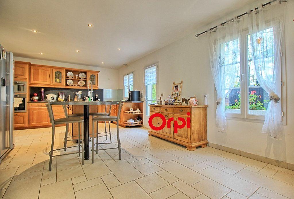 Maison à vendre 8 211m2 à Estrées-Saint-Denis vignette-4