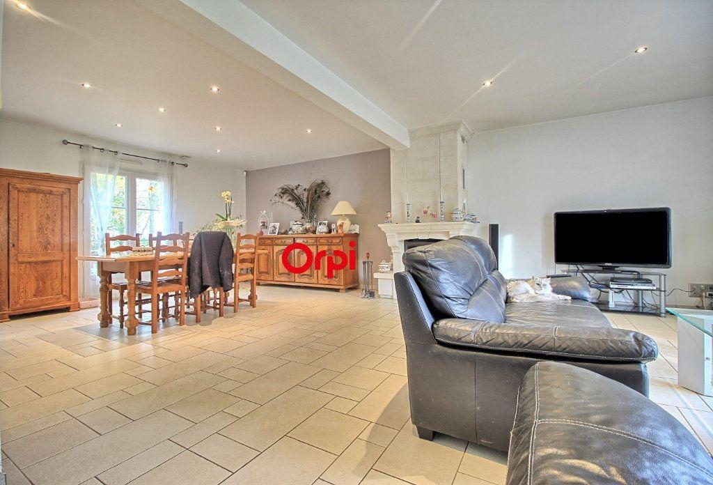 Maison à vendre 8 211m2 à Estrées-Saint-Denis vignette-5