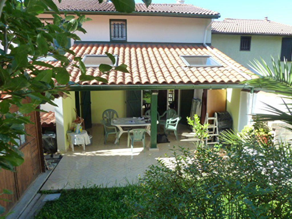 Maison à vendre 4 93m2 à Saint-Jean-de-Luz vignette-1