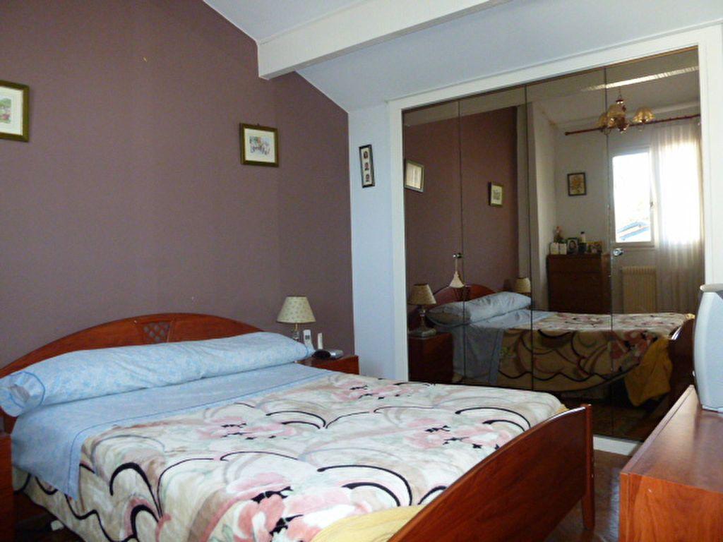 Maison à vendre 4 93m2 à Saint-Jean-de-Luz vignette-2
