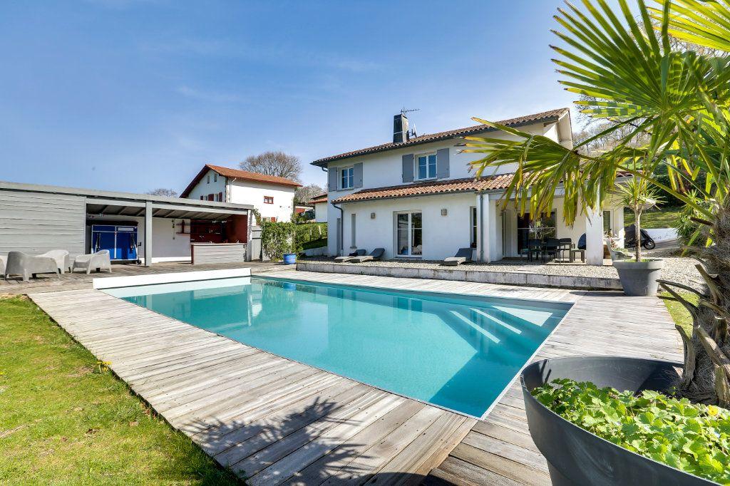Maison à vendre 7 215m2 à Urrugne vignette-1