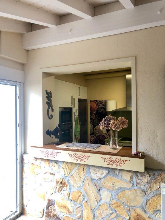 Appartement à vendre 3 104m2 à Hendaye vignette-9
