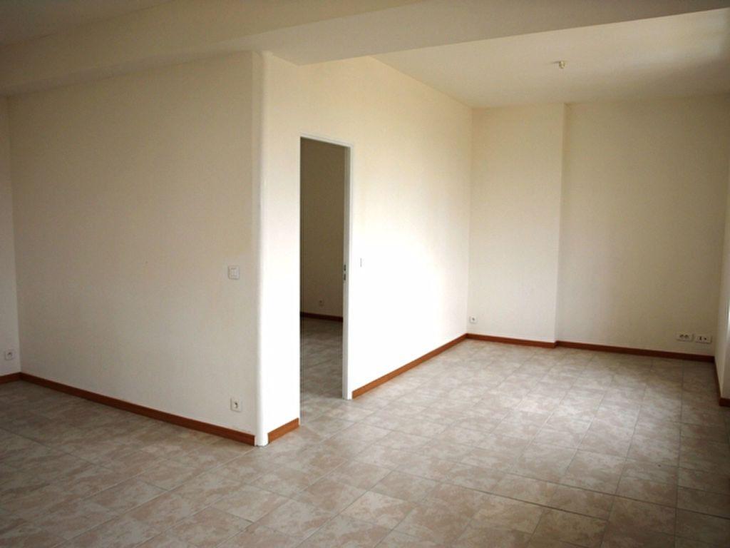 Appartement à louer 2 42.9m2 à Neuilly-en-Vexin vignette-3
