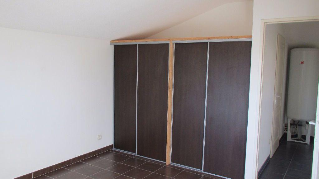 Appartement à louer 3 65.56m2 à Forcalquier vignette-4